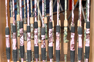 Team usa custom rods camouflage fishing rods mossy oak camo for Pink camo fishing pole